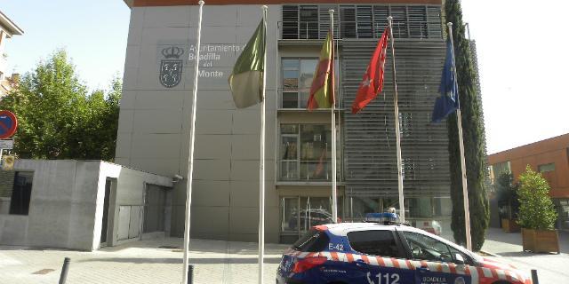El PSOE pide la imputación de nueve técnicos municipales