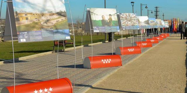 "La exposición ""Construimos Europa"" llega a las calles de Boadilla"