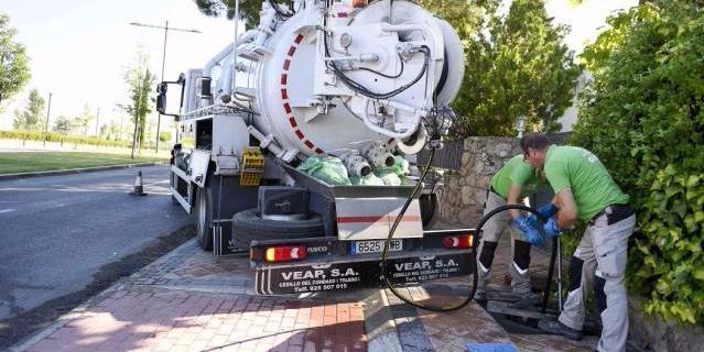 Limpieza integral del alcantarillado del Olivar de Mirabal