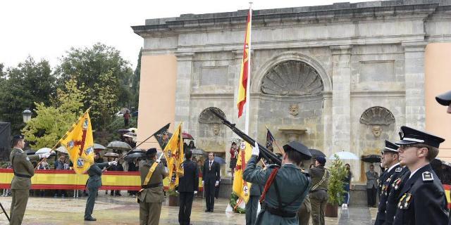 Boadilla celebra el Día de la Hispanidad bajo la lluvia